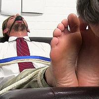 Myfriendsfeet.com male feet